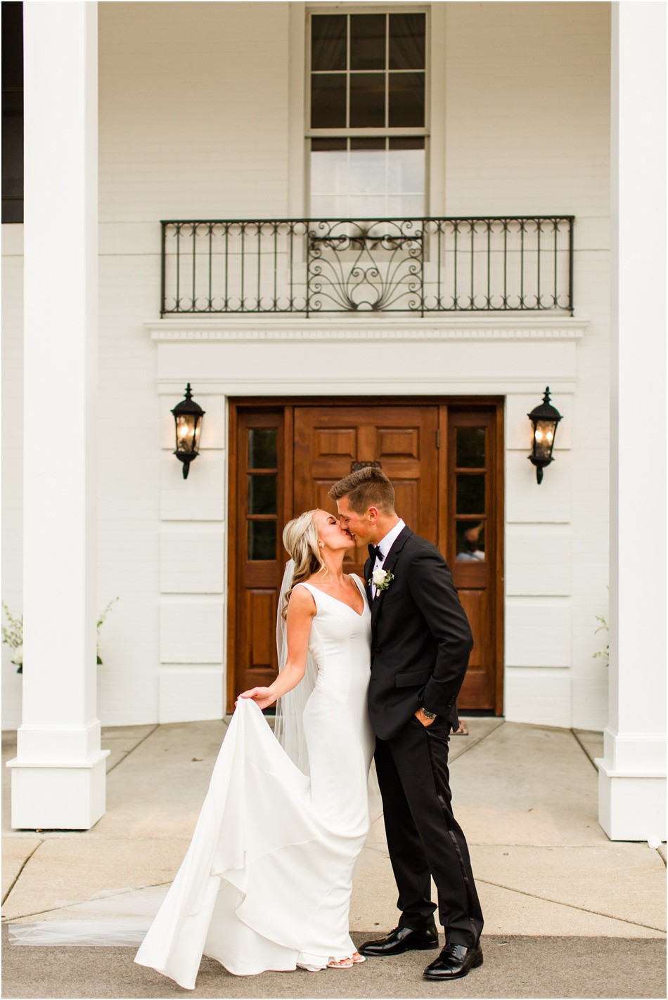 Black-Iris-Wedding-photos