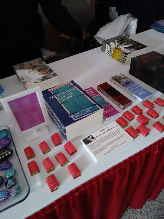 book table 2.jpg