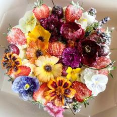 Victoria Sponge w/ Edible Flowers