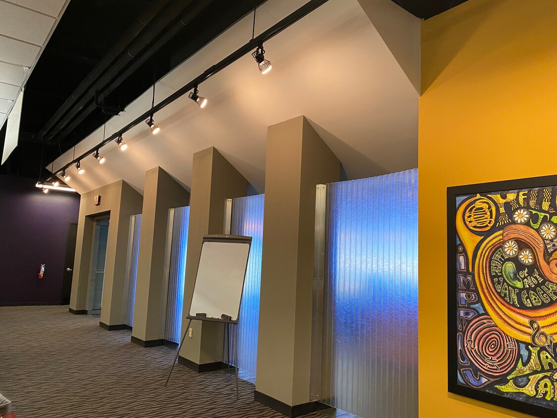 Wall Separating Lobby from Call Center Floor