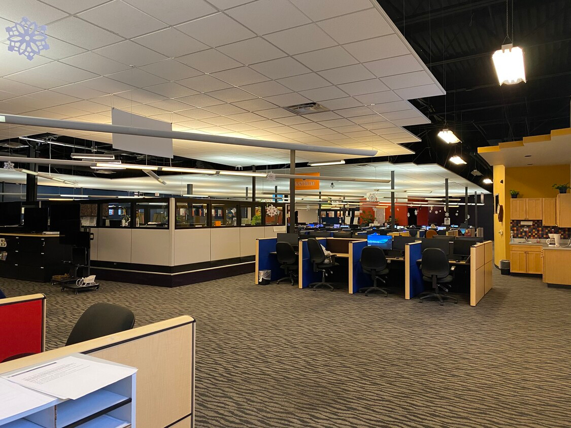 Call Center Floor Looking at Crows Nest