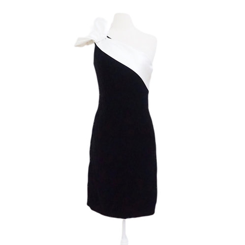 Black Velvet Dress With Single Shoulder