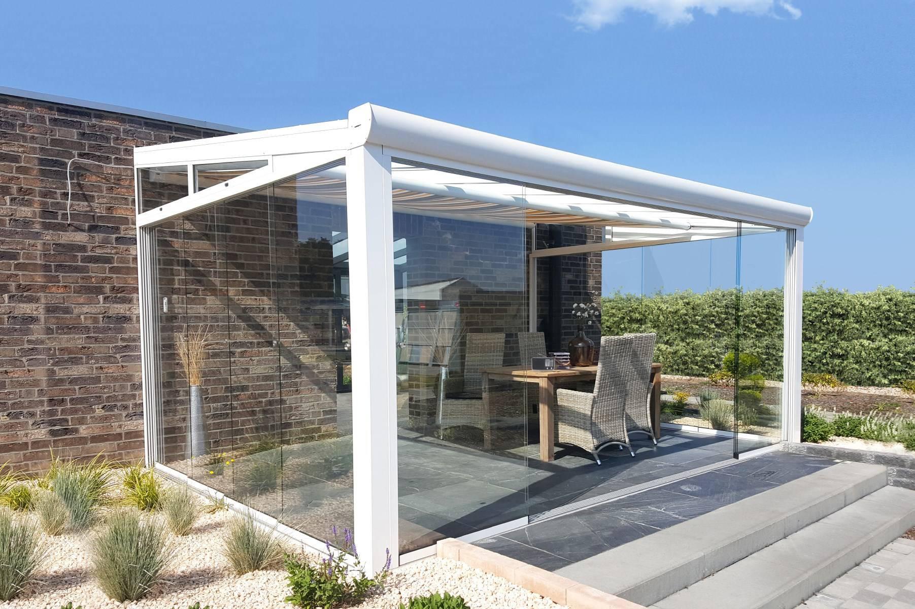 البيوت الزجاجية والملاحق الخارجية