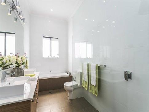 Pleasant Ave Bathroom.jpg