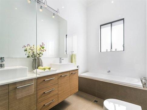 Pleasant Ave Bathroom 2.jpg