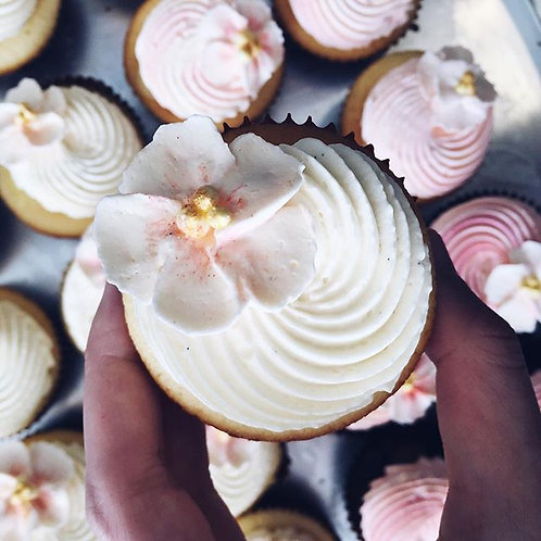 12 X PINK BLOSSOM CUPCAKES