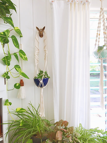 Macrame plant hanger, Leda. Sling style