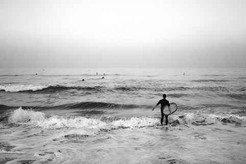 manhattan_beach_surfers2_bw.jpg