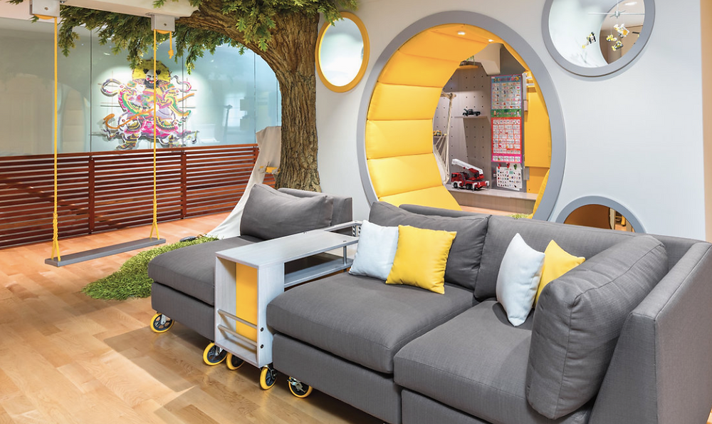 Swing, Neutral color palette, Lots of seating, Circle wall seating