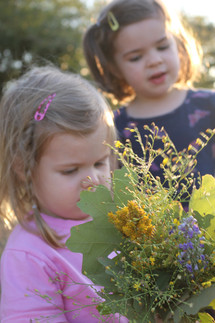 sisters-fall bouquet making in SV