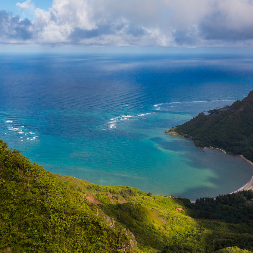 Flyover of Kahana Valley State Park - Hawaii Tourism Authority (HTA) / Tor Johnson