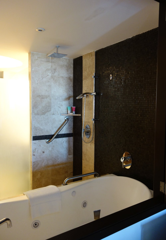 A nice rain showerhead and spa-like features in the bathroom.