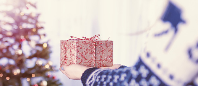 Holiday Gift Guide for the Savvy Traveler