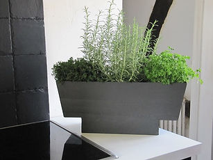 Jardinière en ardoise, ici plantes aroma
