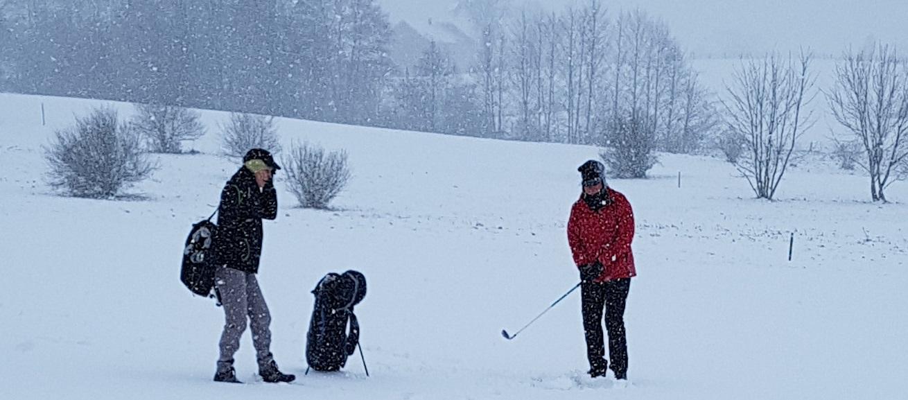 208 Iris es schneit