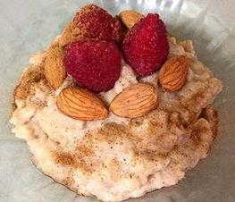 Amo esta receta por lo cremosa, saludable y balanceada. ¡Es perfecta para desayunar, como pre o post-entrenamiento!