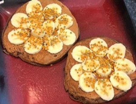 Banana-chocolate%20protein%20pancakes_ed
