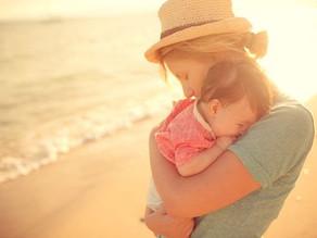 Comment gérer le sommeil de bébé quand on n'est pas à la maison ?
