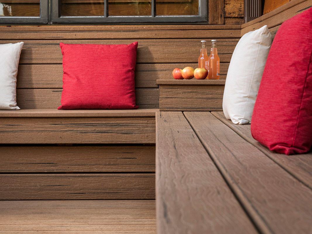 Deck 1.jpg