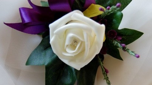 Ivory rose & thistle velcro wrist corsage -CR012