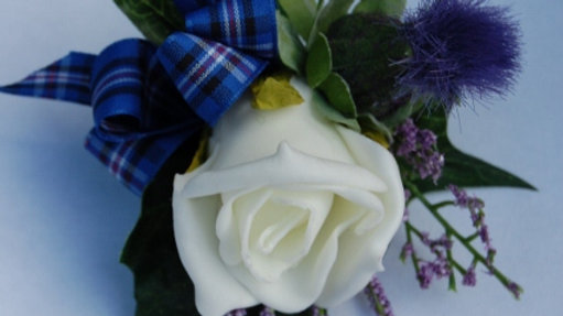 Rose, Thistle & Lilac Heather Buttonhole-BH037