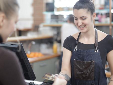 ¿Se debe elevar el salario mínimo para los trabajos que están más expuestos por la pandemia?