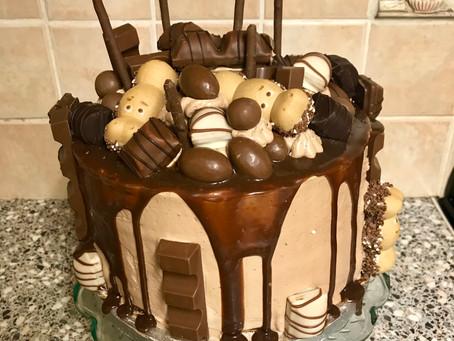 Kinder Drip Cake!