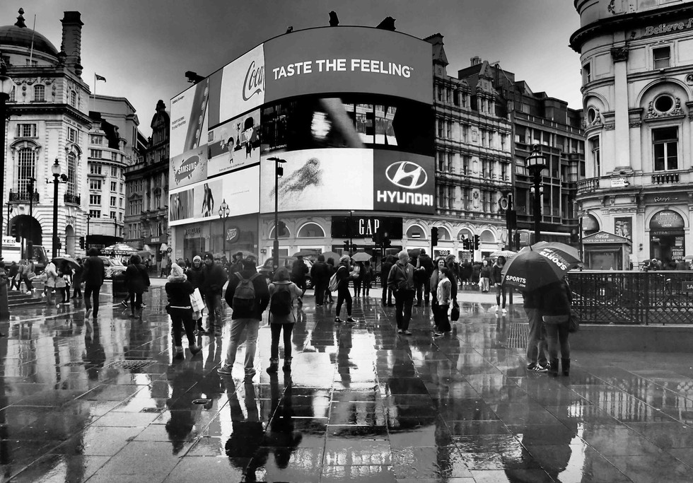 Piccadilly in the rain. Black and white
