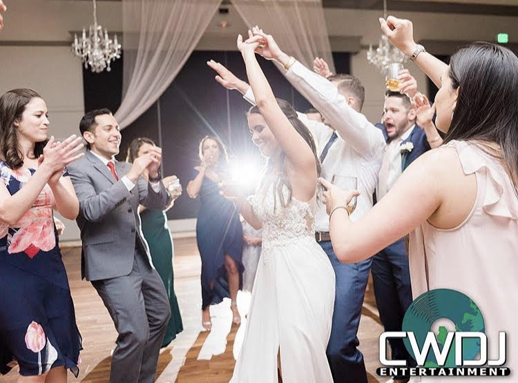 Wedding DJ | Wedding Photo Booth | Corporate Events | Raleigh NC | CWDJ ENTERTAINMENT