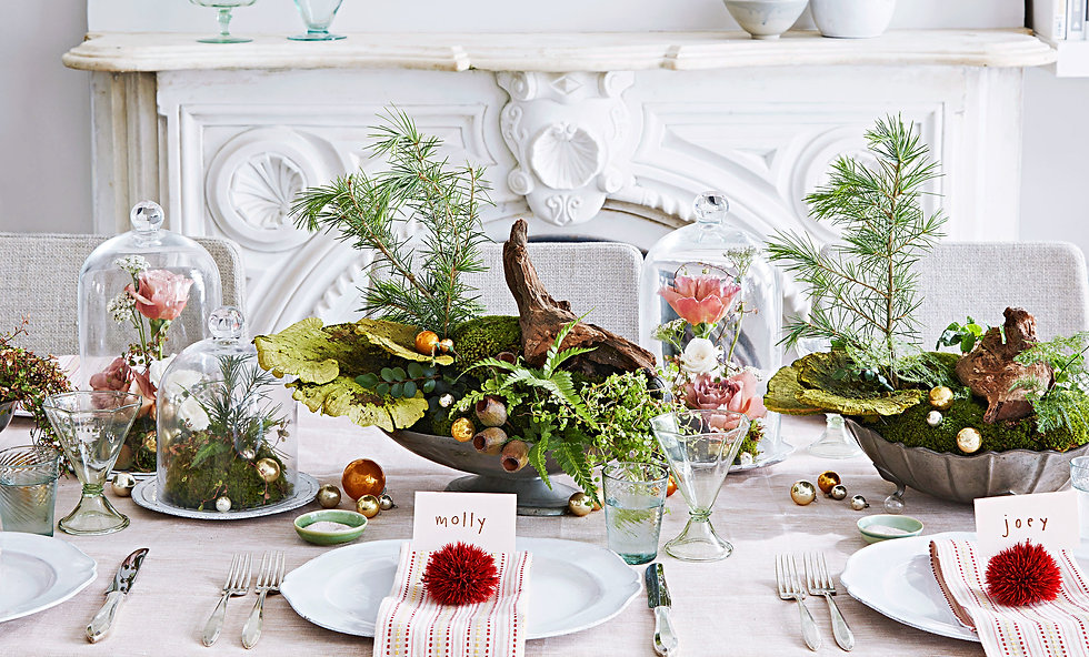 floral-green-holiday-tablescape-10282102