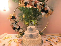 floral arch for cake table