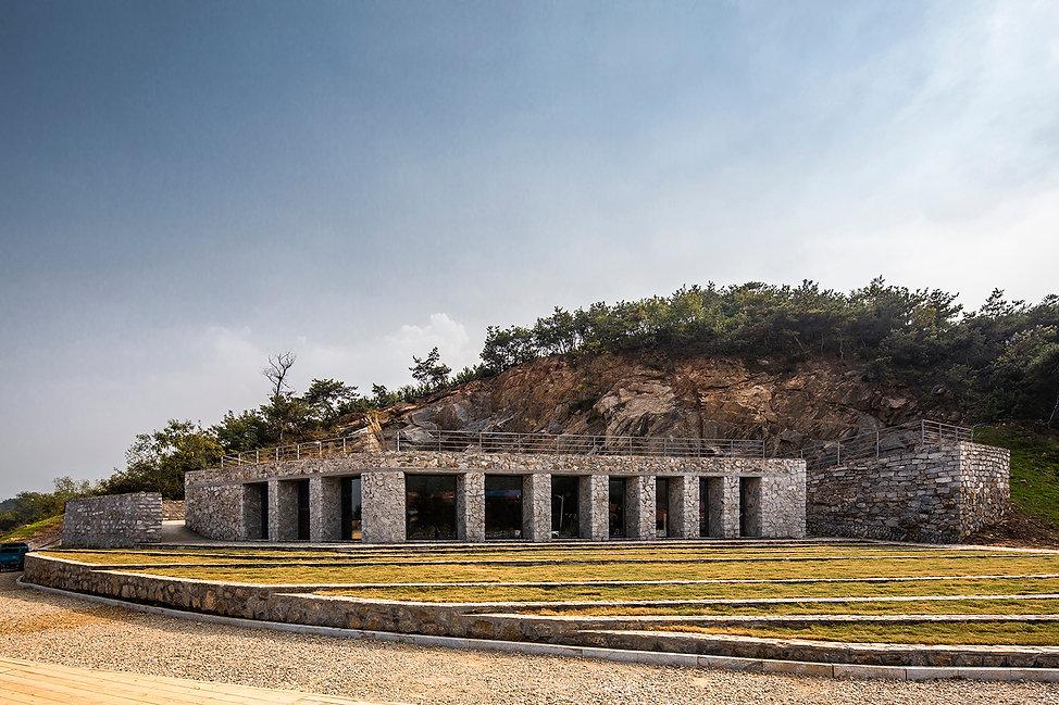 03-石窝剧场全貌 Full view of Stone Nest Amphit