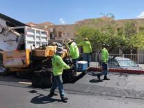 Laying down asphalt