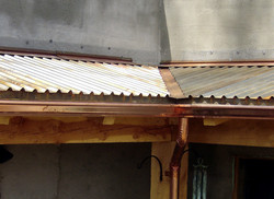black_iron_roof+copper_gutter-XL