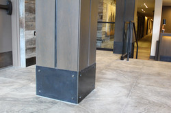 patinad steel base
