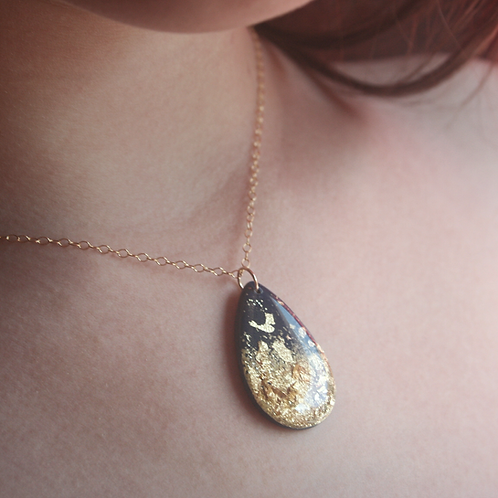 Navy and Gold Drop Pendant Necklace