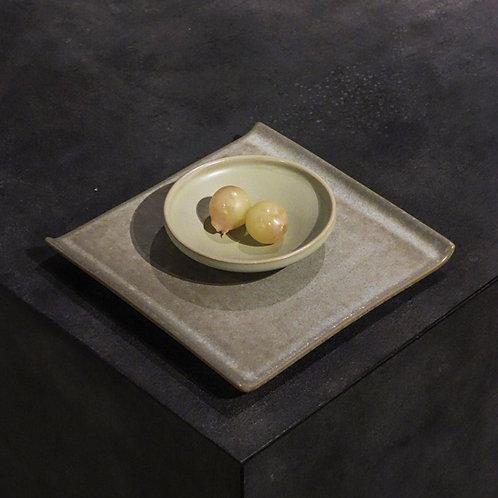 Isamu Square Plate