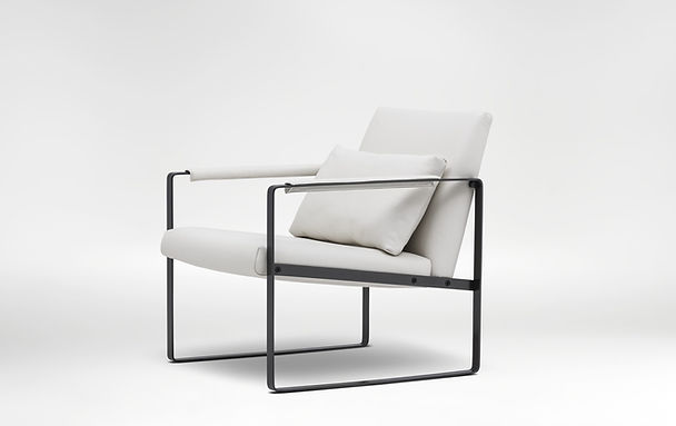 Leman Small Lounge Chair 3.jpg