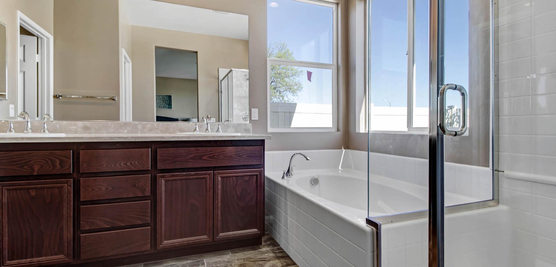model-2 bathtub 2200x1500.jpg