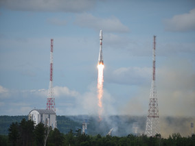 Soyuz rocket and Fregat upper stage deliver 33 satellites to three different orbits