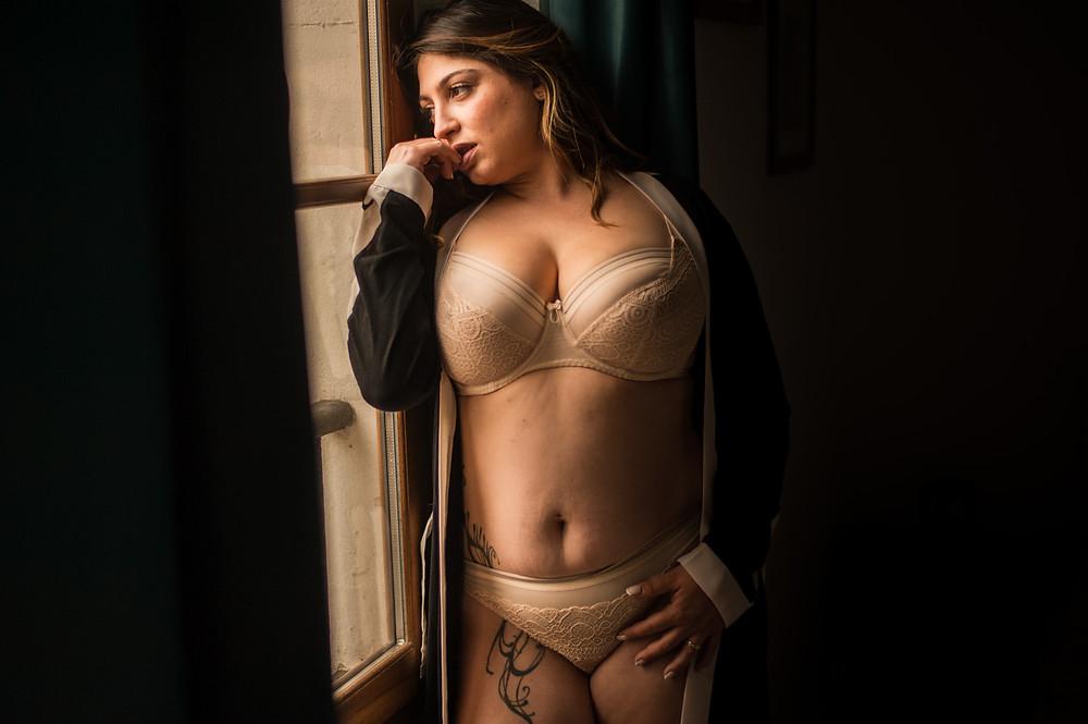 portrait femme ronde lingerie