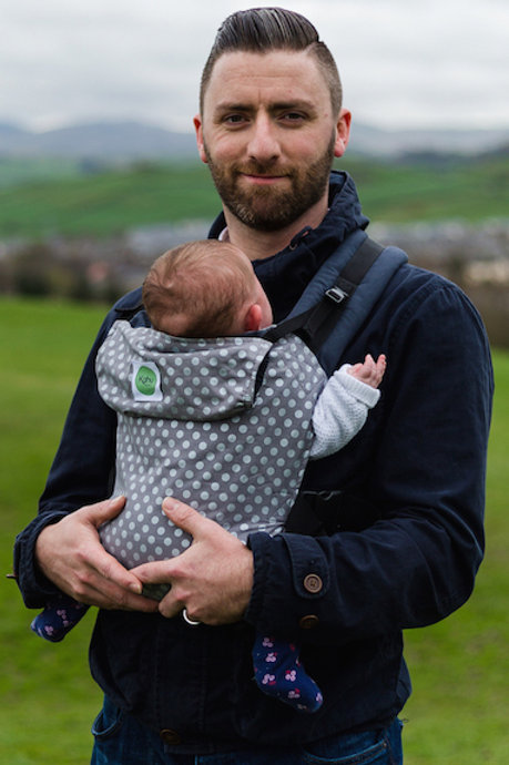 Kahu Baby Carrier - Cloudy Spot