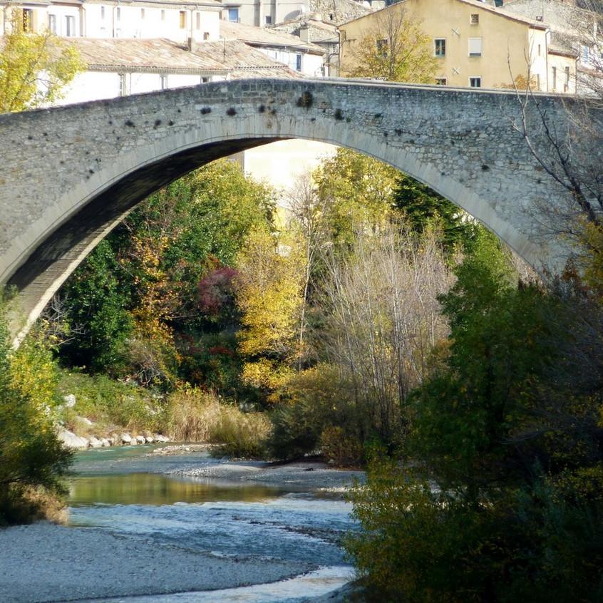 Vieux pont de Nyons