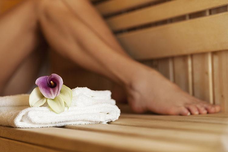 Sauna-Jacuzzi spa Hotel Nyons .jpg