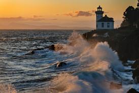 Lime Kiln Lighthouse storm