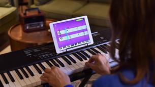 Dá pra aprender música sozinho pela internet?