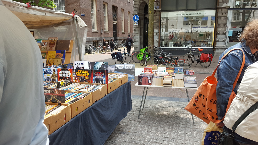Book market in the Spui