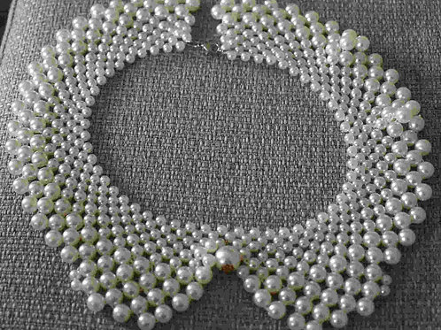 Necklace - Pearl collar
