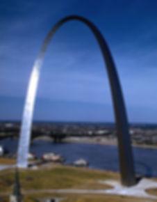 Gateway_Arch_(distant_view).jpg