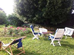 Pour une petite pause au jardin ...